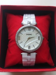 Часы Chanel керамика.